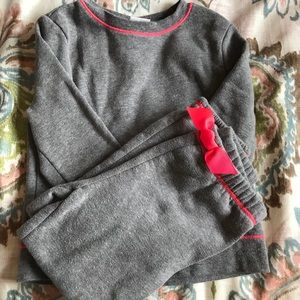 Girls gray and pink Sweatsuit top 5t bottom 3t